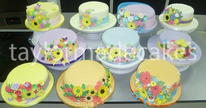 Bonnet shaped cakes