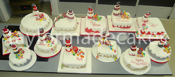 college-christmas-cakes