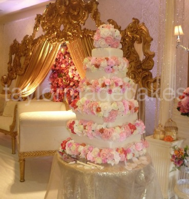 Five tiers with flowers