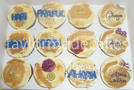 gold-cupcakes