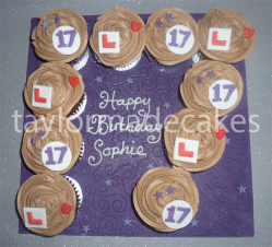 17th cupcakes